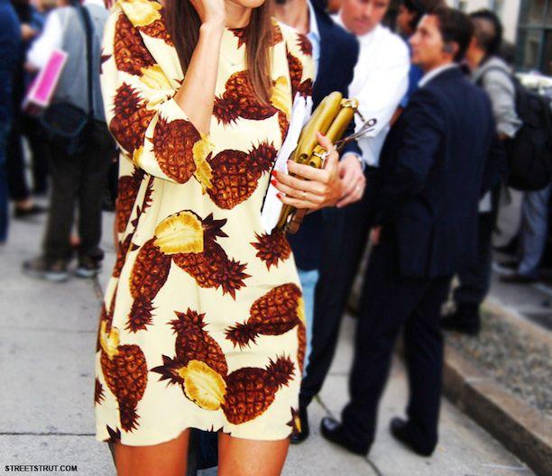 A neutral take on the pineapple print // #Fashion #StreetStyle