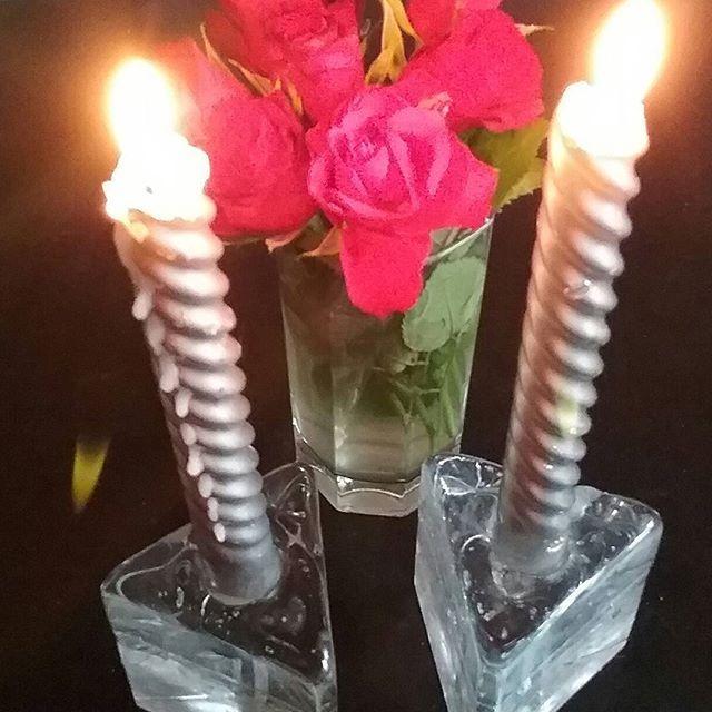 SISUSTUS. Kukat&Kynttilät JUHLA TYYLI...Vinnki esim. ISÄN PÄIVÄ. #sisustus  #tyyli #kukat #kynttilät #keittiö #olohuone #koti #tyyli #blogi #trendit