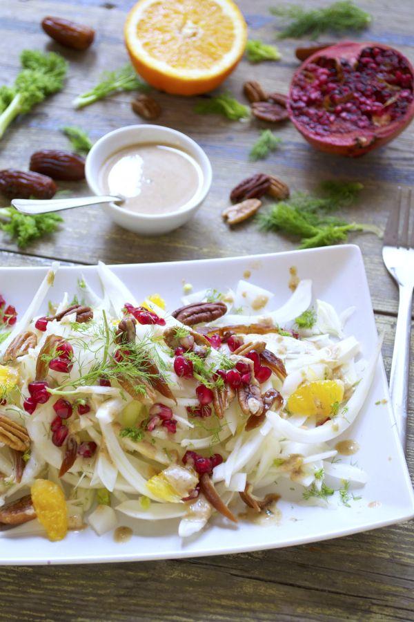 Salade d'hiver ensoleillée : fenouil, dattes, oranges, pécan, grenade – Sauce tahin, orange, sirop d'érable #vegan #sansgluten   Green Cuisine
