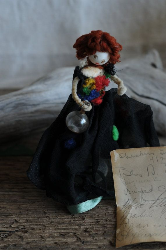 betrunkene Ardel Chenille Figur mit einer Karte von von Rosehilde