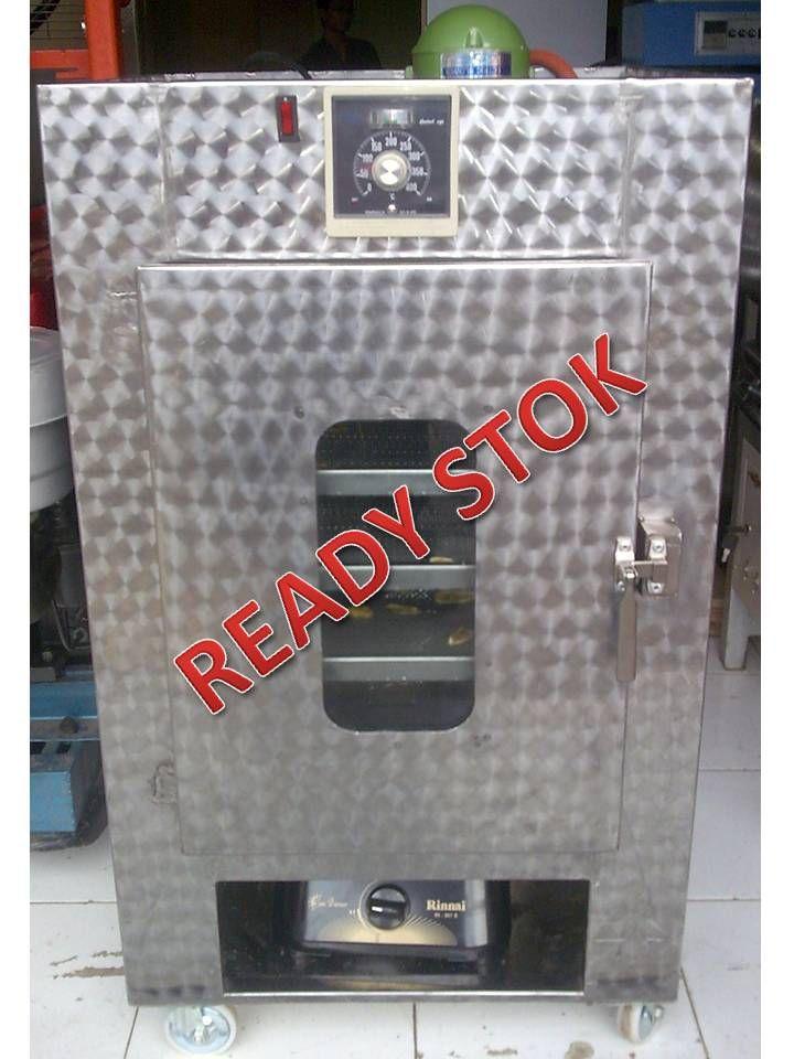 Mesin Oven Multifungsi adalah mesin yang digunakan untuk membuat roti. Dengan kapasitas menncapai 6 rak akan dapat menambah angka produksi usaha anda. Spesifikasi : Kapasitas : 6 Rak / 50 Kg Dimensi : 50 x 70 x 125 cm Ruang oven : 45 x 48 x 85 cm Bahan : Stainless steel Sumber panas : Kompor LPG/ Heater 900 W Kontrol suhu : mencapai 150° C