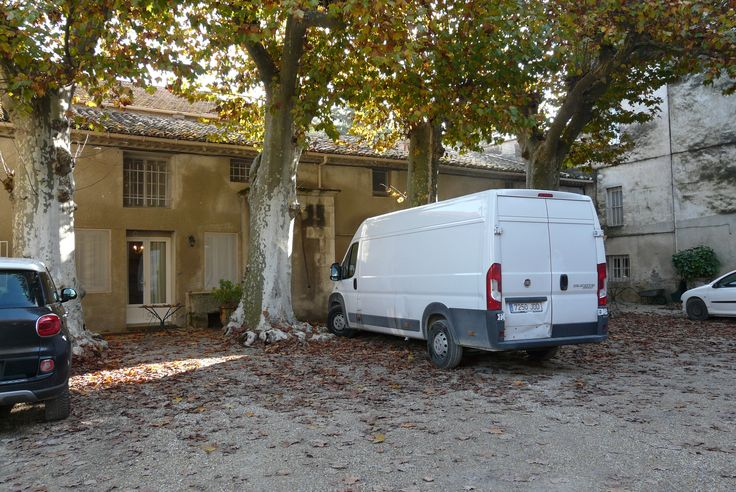Todo en la furgoneta de #EsculturasMorla listo para el Salón de los Creadores de Nîmes