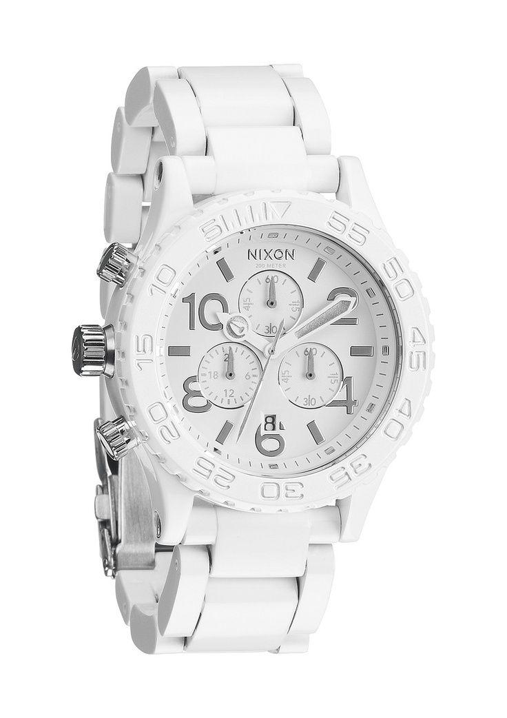 NIXON | The 42-20 Chrono in All White / Silver