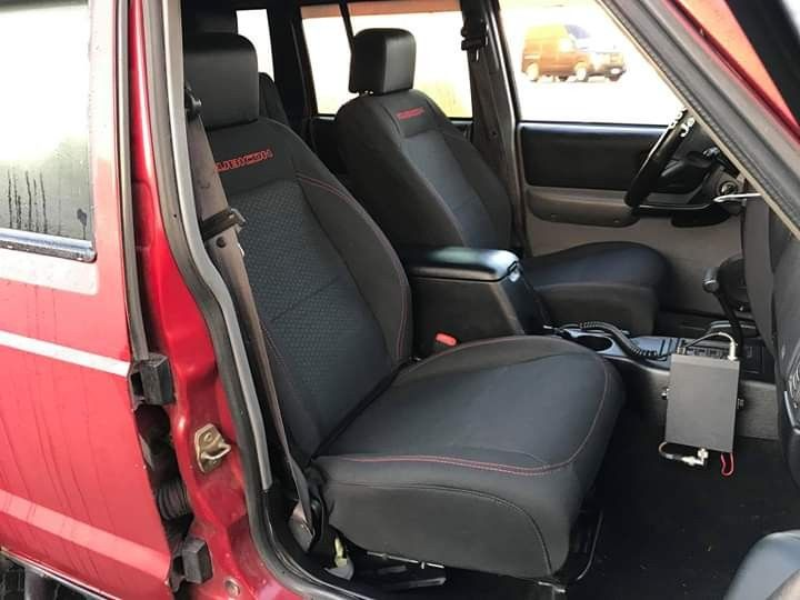 Jku Seats In A Xj Jeep Xj Jeep Cherokee Xj Jeep Xj Mods