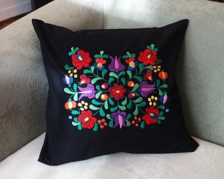Pillow case with Hungarian embroidery - PILLOW-MKTR-002