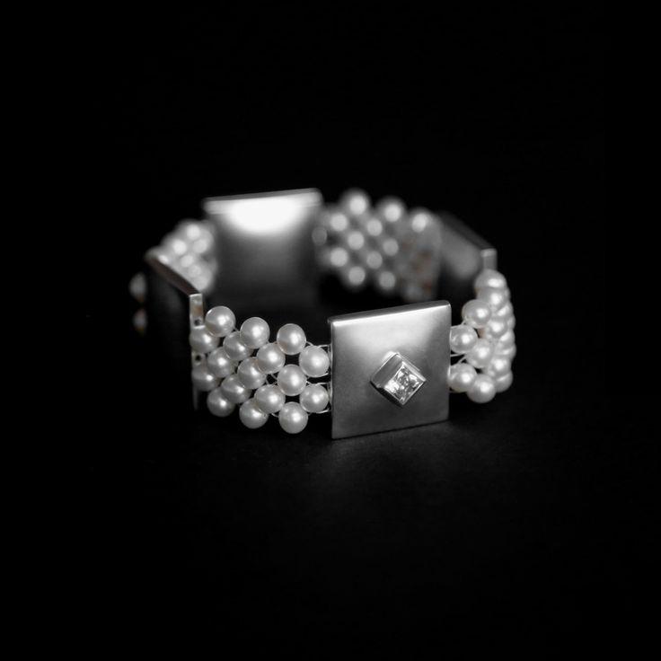 AURORA - Armband av Emilia Yli-Yrjänäinen