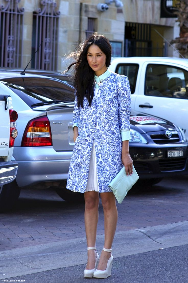 spotted in Sydney, such beautiful blues   The Tres Chic