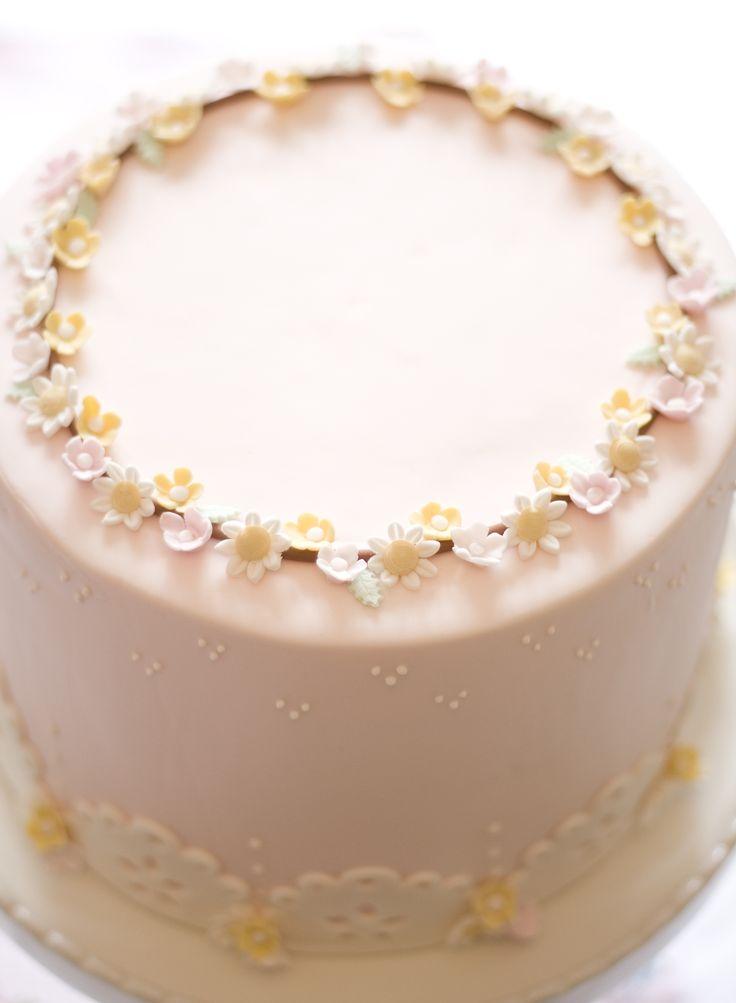 petite homemade cake with wreath, sweet first communion cake, baptism cake