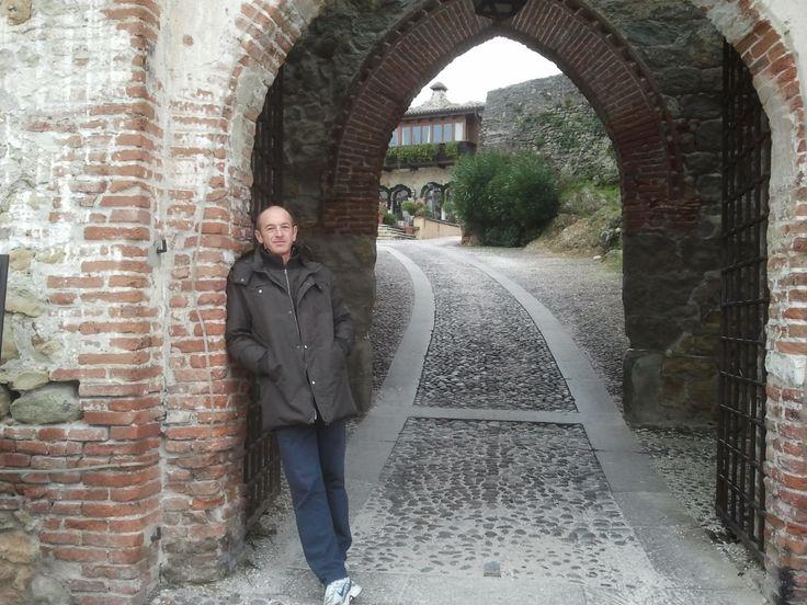 La porta del castello superiore