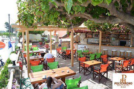 Στον υπέροχα διαμορφωμένο, εξωτερικό μας χώρο θα ζήσετε μοναδικές στιγμές ηρεμίας στην σκιά των δέντρων και με θέα την γαλαζοπράσινη θάλασσα.  ********* In the beautifully landscaped , our outdoor area will experience unique moments in the shade of trees and overlooking the turquoise sea .  #visitgreece #Polychrono #halkidiki #discoveryourparadise #summer2016