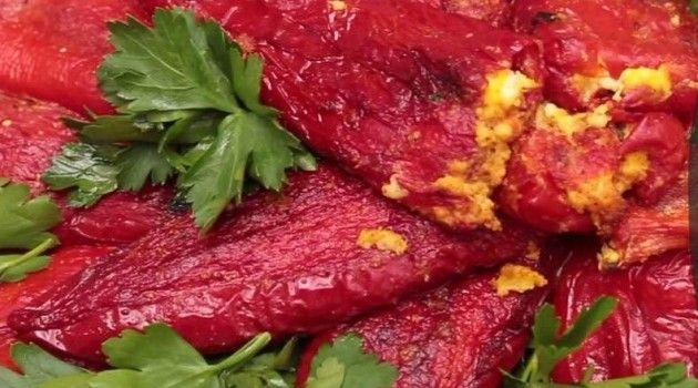 Nursel İle Ramazan Sofrası Peynirli Kırmızı Biber Dolması Tarifi 23.06.2016