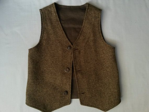 Would be a perfect boys vest for your special birthay, woodland or vintage weddig in the fall or winter ,pageboy outfit etc.  This brown tweed boys vest