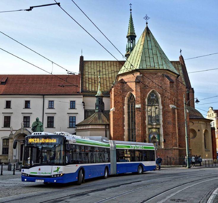 Udanego tygodnia!  #mpkkrakow #solaris #urbino #solarisbuses #solarisbusandcoach #bus #autobus #instabus #citycenter #oldtown #church #krakow #cracow #cracovia #krakau #urban #igerskrakow #loves_vehicles #typ_krakow #mkrkw #lovekrakow #instagram #publictransport #komunikacjamiejska #transportpubliczny #transportepublico