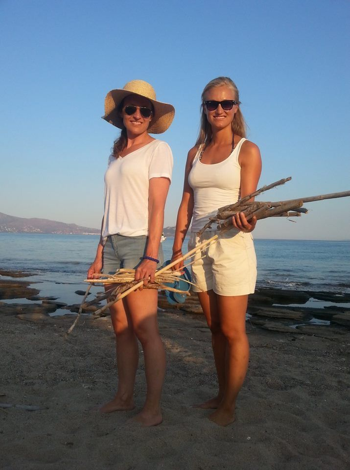 beach walk & finding some treasures #rosys_little_village #greek_island #holiday