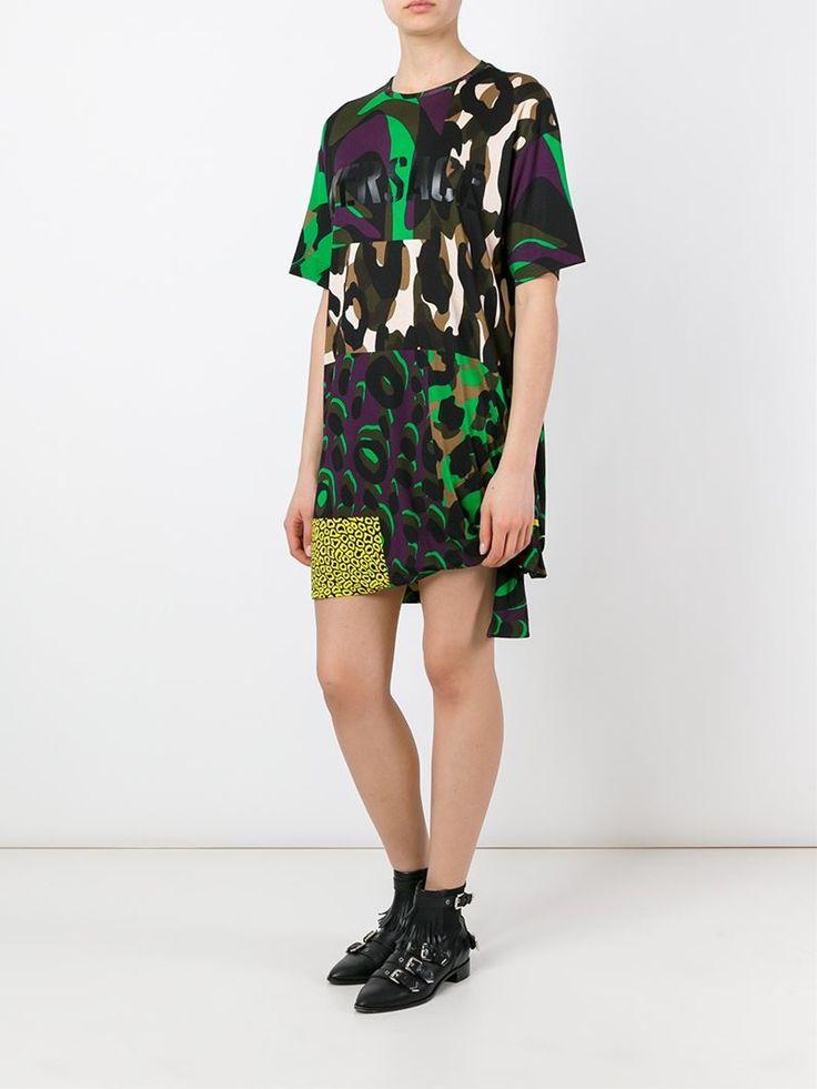 ¡Cómpralo ya!. Versace Vestido Wild Patch. Vestido Wild Patch en seda multicolor de Versace con cuello redondo, manga corta, estampado de leopardo y varios estampados. , vestidoinformal, casual, informales, informal, day, kleidcasual, vestidoinformal, robeinformelle, vestitoinformale, día. Vestido informal  de mujer   de Versace.