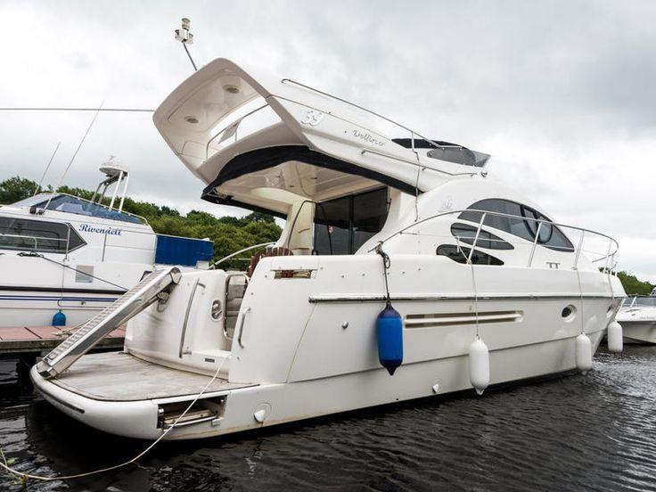 Azimut 39 for sale UK, Azimut boats for sale, Azimut used boat sales, Azimut Motor Boats For Sale Azimut 39 Flybridge - Apollo Duck