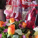 Boutonniere | Envío de flores a domicilio en santiago, Ramos de Novias, Envío de rosas en caja en santiago.