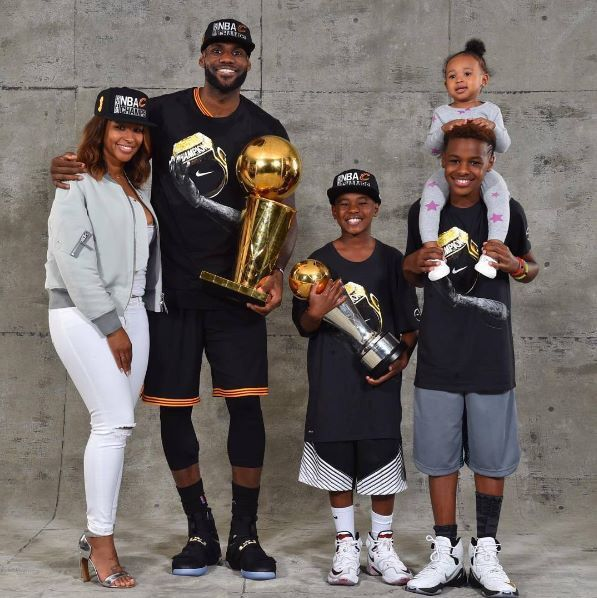 61ab2eadaf89 James Family | LeBron James in 2019 | Lebron james family, Lebron james, Lebron  james jr