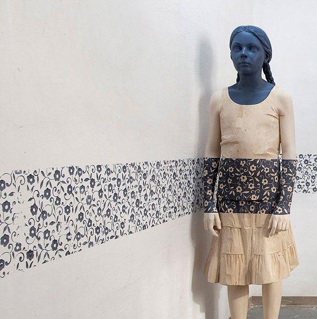 Wooden sculptures by Willy Verginer