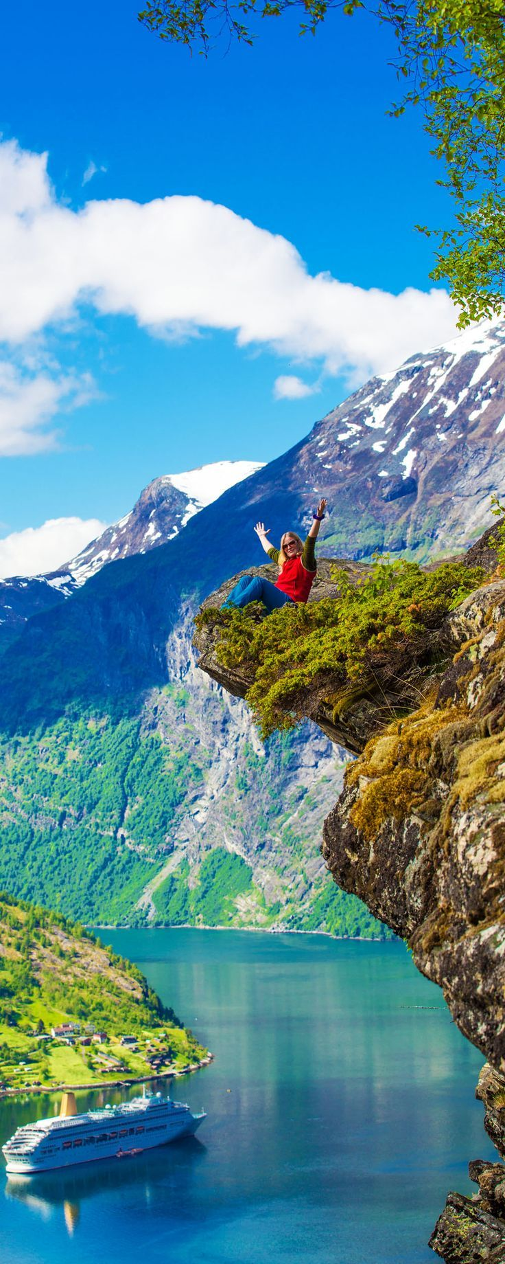 15 reasons why Norway will Rock your World | 10. Flydalsjuvet at Geranger fjord, Norway