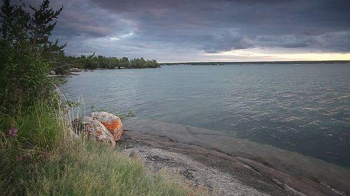 Gameti Shoreline, Midnight