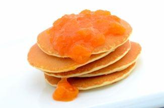 Confiture d'abricot passion vanille | Cuisine Moléculaire 1 sachet de 2 g d'agar-agar 650 g d'abricots coupés en dés 180 g de sirop de fruits de la passion160 g de sucre 1 gousse de vanille un peu d'eau