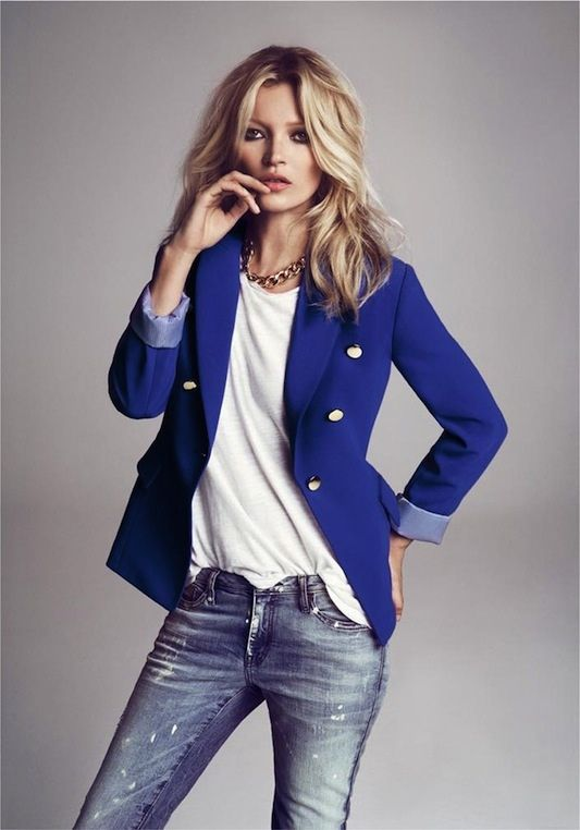 Blue blazer, white t, paint spalttered denim: Light Pink Blazers, Cobalt Blue, Blue Blazers, Royals Blue, Blazers Jeans, Katemoss, Hair Trends, Electric Blue, Kate Moss