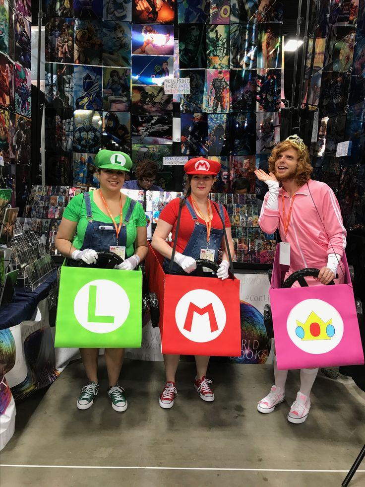 Rad #Luigi , #Mario, and #Peach at #A-Kon the #CWBT!   Check out our #MetalBookmarks at http://ColorworldBooks.com/  #Colorworld #Cosplay #ConLife #MarioKart #MarioKart8 #MarioBros #PrincessPeach #GenderBent #GroupCosplay #Gaming #Nintendo #A-Kon #FortWorth #Texas #Anime