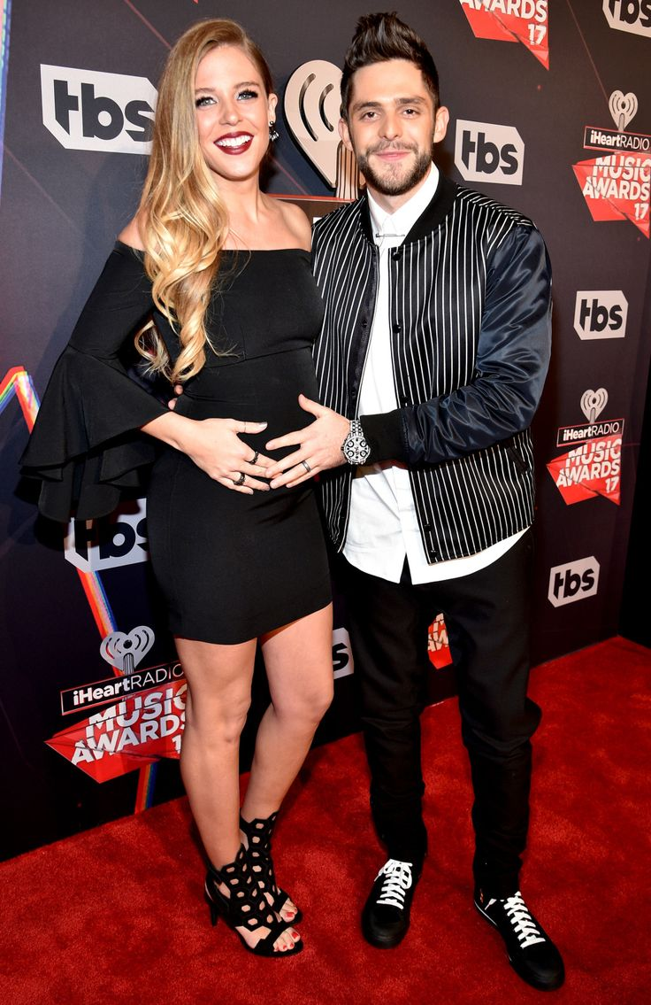 Bump Debut! Thomas Rhett and Expectant Wife Lauren Hit the Red Carpet at iHeartRadio Music Awards