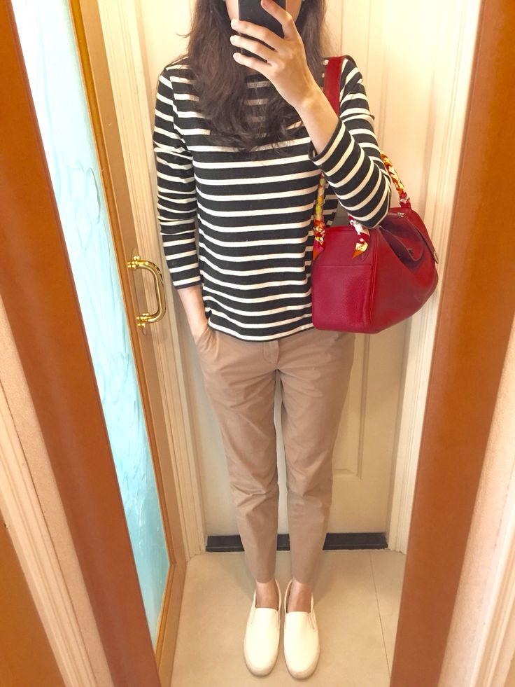 UNIQLO stripped top and camel chinos, Comme Ca Store slip on, Hermes Lindy 30.