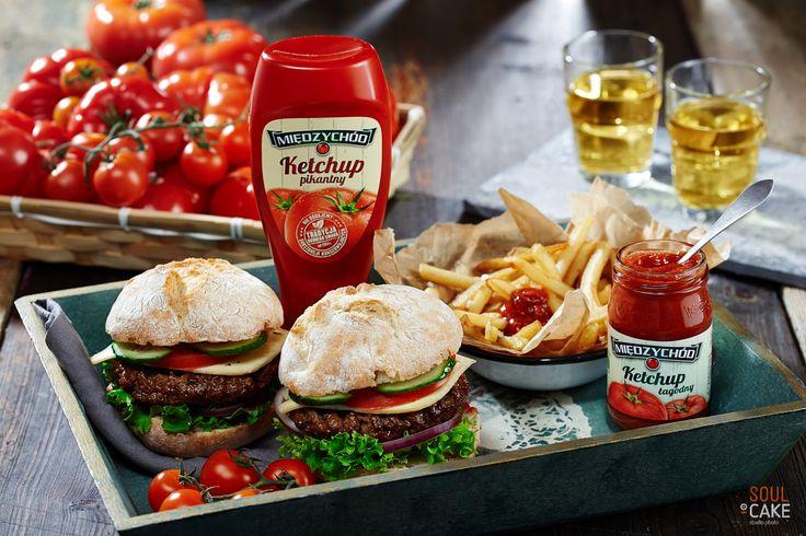 Dotrzymujemy słowa – kompletna sesja foto dla Międzychodu Wracamy z gotowym materiałem zdjęciowym zrealizowanym na potrzeby marki Międzychód. Ketchup w otoczeniu świeżych warzyw, złocistego chleba oraz aromatycznych przypraw - w obiektywie Soul Cake. Oglądajcie na: http://www.soulcake.pl/ketchup_miedzychod  #ketchup #Miedzychod