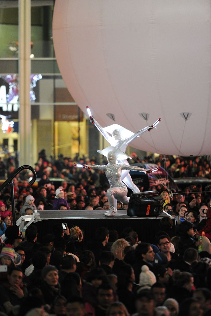 Illuminite  Sat., Nov 15, 2014 | 5pm to 7:30pm | Yonge-Dundas Square
