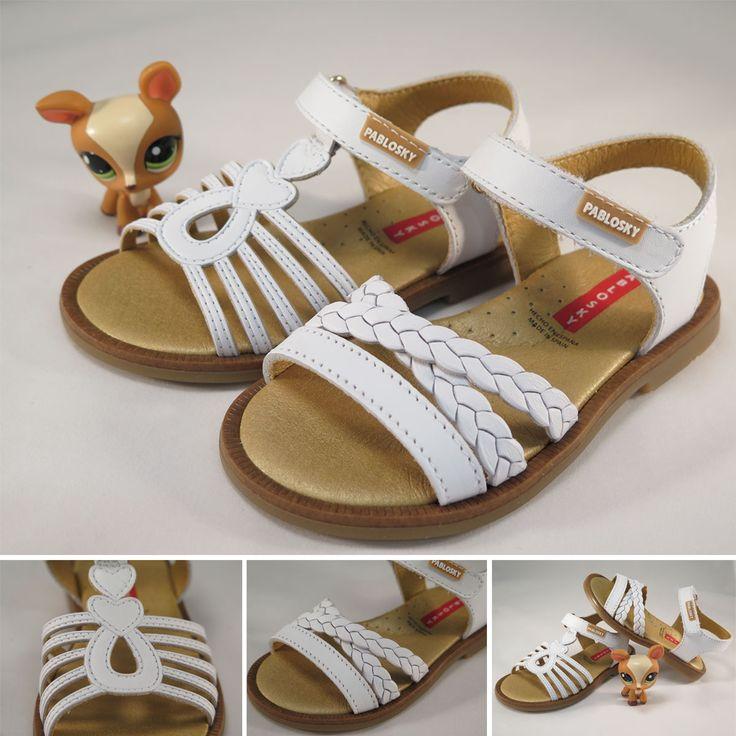 Sandalias de piel para #niña de la marca #Pablosky con cierre de velcro y forro interior absorbente  inTech. Moda en #calzadoinfantil