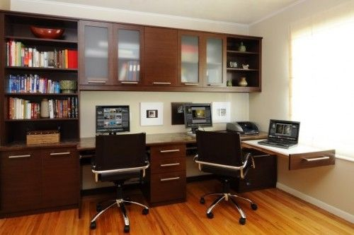 Chic!I like the pull out work space for the laptop.