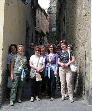 Group walking tour of Cortona city centre  www.tuscantoursandweddings.com