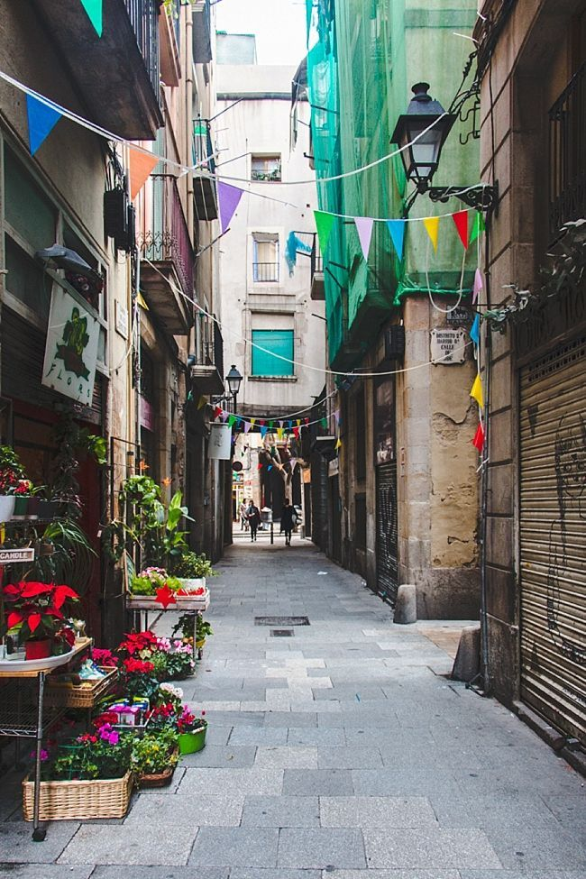 A perfecto day in Barcelona (on 3 wheels!) - The Overseas Escape
