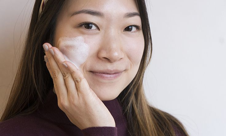 Here's The Correct Way To Use Tea Tree Oil For Acne