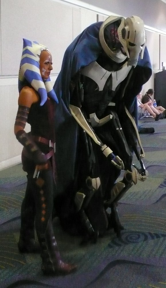 Asoka and Grevious, Start Wars: Clone Wars cosplay. View more EPIC cosplay at http://pinterest.com/SuburbanFandom/cosplay/