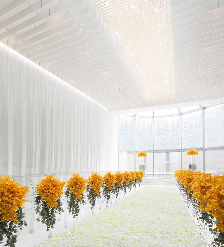 # Vress et Rose # Wedding # yellow # chapel # Flower # Bridal # ブレスエットロゼ #ウェディング #黄色# チャペル #バージンロード##ナチュラル#花 # ブライダル#教会