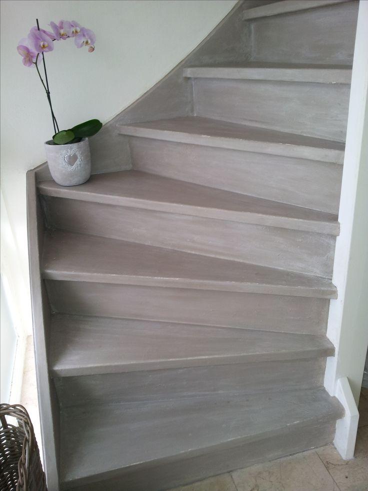 Francis heeft haar trap met Pure White en French Linen geverfd. Prachtig!