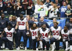 Nearly Every Texans Player Kneeled During Today's National Anthem