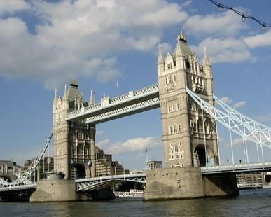 One-Day Sightseeing Tours in London, England-A guided tour is an easy way to enjoy London's attractions. 24 hours! Whirlwind tour!
