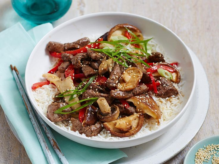For a filling and delicious meal without much prep, this easy beef stir-fry is the way to go. Ready in just 25 minutes, it's perfect for busy weeknights and the leftovers make the ideal work lunch the next day.