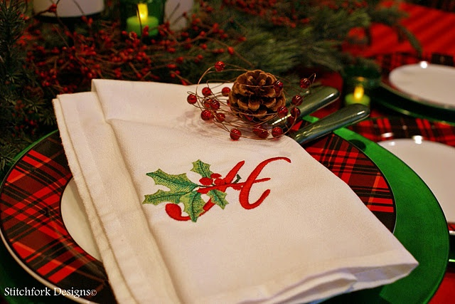 Stitchfork blog- holly embroidery library, H, MW longhand font: Stitchfork Blog, Fork Designs, Holly, Stitch Fork, Font Mw, Christmas Ideas, Creative Appliques, Embroidery Designs