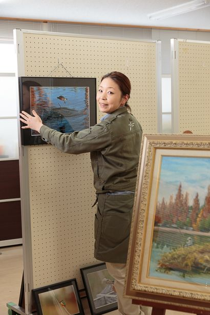 佐鳴湖の自然をテーマにした絵画や写真、短歌などを 北岸管理棟にまとめて展示する作品展が今週末から...