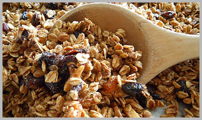homemade granola - would be great for snacks or as a preschool class project