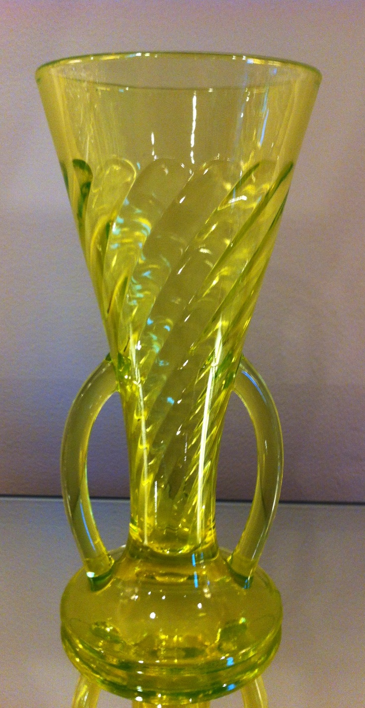 97 best yellow depression glass images on pinterest carnival vaseline depression glass uranium glass imperial glass spiral optic vase reviewsmspy
