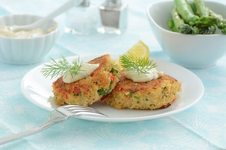 Crab cakes are a really popular menu item, mainly because most people think they are really difficult to prepare. This recipe makes it easy for you to get that restaurant quality in a few easy steps.Serve this with some fresh lemon wedges.