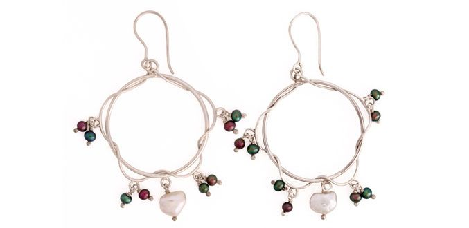 Summer Foliage - Handmade Silver Earrings It looks simply and elegant but not overdone... Material: Silver 925 , Fresh water Pearl Dimension:Diam. 3.5 cm Weight:5.0 gram Price:$ 50.00 In Stock : 3 pairs Order it here http://www.jennyjsilver.com/collection-6-Summer-Foliage