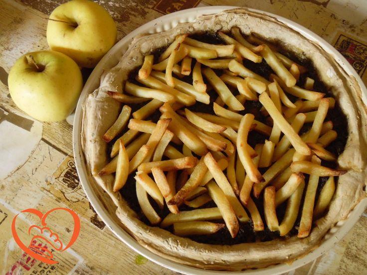 Focaccia con pesto e patatine http://www.cuocaperpassione.it/ricetta/04391f4c-9f72-6375-b10c-ff0000780917/Focaccia_con_pesto_e_patatine